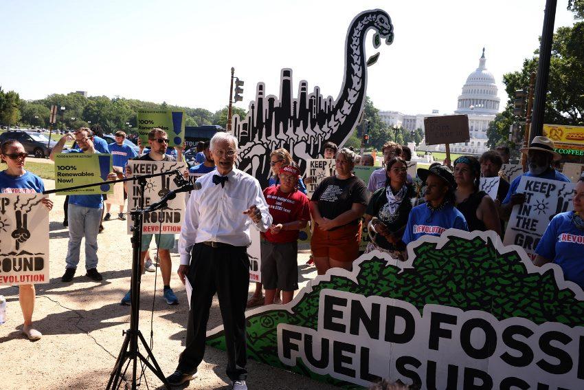 SAD subvencijama povećavaju profit naftnih kompanija.